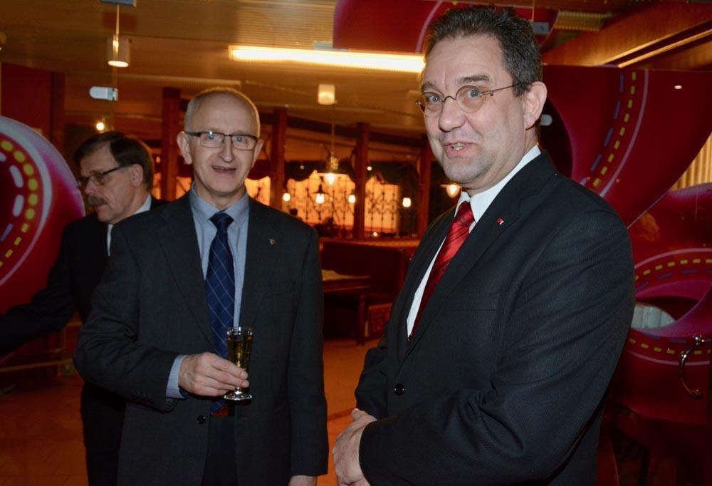 Euroopan parlamenttiehdokas Hans Adolf Ehrnroth ja kansanedustajaehdokas Veli-Pekka Nurmi.